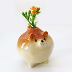 """Adorable Shiba Inu Figurines by Sirosfunnyanimals """" If your love for Shiba Inus is still going strong, you'll probably be interested in these cheerful clay pups by Siro's Funny Animals.These adorable. Shiba Inu, Ceramic Clay, Ceramic Pottery, Pottery Art, Clay Projects, Clay Crafts, Arts And Crafts, Mini Vase, Organic Art"""