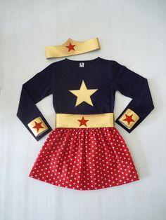 Déguisement de Super Héroïne T.3-4 ans t-shirt manches longue, jupe, bandeau, ceinture et manchettes : Ecole et loisirs par la-fee-brochette