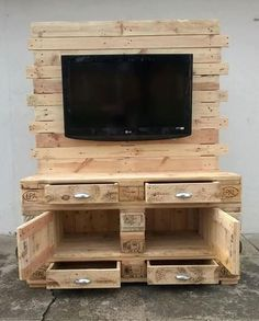 lovely ideas with pallet lcd