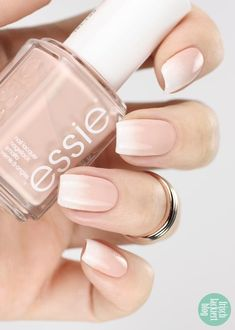 babyboomer nailart: soft ombre french na. babyboomer nailart: soft ombre french nails using essie Nagellack Design, Nagellack Trends, Ombre French Nails, Ombre Nail, Faded French Manicure, Natural French Manicure, Nail French, French Manicures, Diy Ombre
