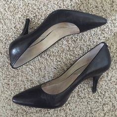 Michael Kors heels Flex pump size 9. Worn several times   Fast shipping  NO TRADES!  Bundle for discounts!  Let me know if you have any questions!  Michael Kors Shoes Heels