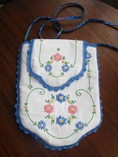 Embroidered Linen Purse - CraftStylish