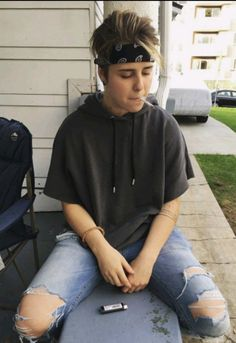 This fitYou can find Androgynous girls and more on our website.This fit Boyish Outfits, Tomboy Outfits, Cool Outfits, Queer Fashion, Tomboy Fashion, Fashion Outfits, Fashion Styles, Lesbian Outfits, Gay Outfit