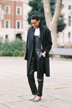 Donna Wallace, British Elle's Accessories Editor, before Clements Ribeiro (I think!), London, February 2013. (image:vanessajackman)