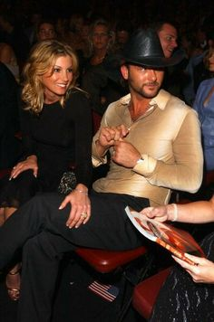 Academy Of Country Music, Country Music Awards, Country Music Artists, Country Singers, Axl Rose Now, Tim Mcgraw Family, Hot Couples, Power Couples, Kenney Chesney