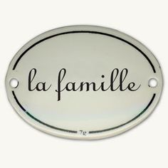 LA FAMILLE – FICHE PÉDAGOGIQUE FLE- A2. Proposée par le CAVILAM de Vichy, cette fiche pédagogique à pour objectif de développer les compétences à l´oral.