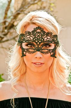 Anastacia Laced Mask
