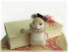 Felted Hamlet Hamster Shakespeare Needle Felting door Mythillogical