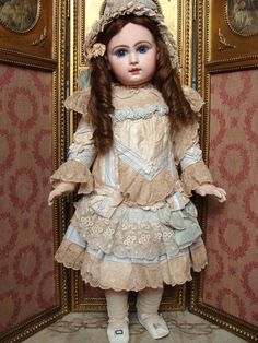 Wonderful costume for antique big french or german bebe.