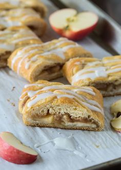 No need to mess with dough to impress guests with this danish. This Easy Apple Cream Cheese Danish uses crescent rolls making it a snap to assemble and bake! Dessert Simple, Breakfast Pastries, Breakfast Recipes, Savory Breakfast, Brunch Recipes, Apple Recipes, Fish Recipes, Lemon Recipes, Tart Recipes