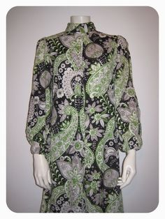 SOLD - Vtg 60s 70s  Paisley Psychedelic Jumpsuit Long Hippie por theevices, $66.00 Long Jumpsuits, Psychedelic, Paisley, Cover Up, Dresses With Sleeves, Etsy Shop, Long Sleeve, Shopping, Vintage