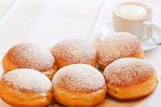 Ecco per voi la ricetta per preparare dei favolosi krapfen al forno, dolci di origine austriaca che dovrebbero essere fritti, ma noi faremo in versione light.