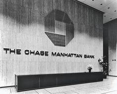 1961 - Chase Manhattan Bank - New York NYC Chase Manhattan giant wall logo: Sean Adams, Chase Bank, Wall Logo, Wayfinding Signage, Retail Interior, Print Magazine, Visual Identity, Abstract Print, Manhattan