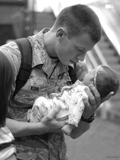 Photos leaving an IMPACT (18 photos) #military #babies #love