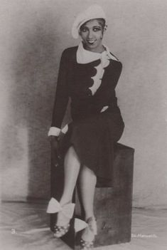 22 Beautiful Vintage Photos of a Young Josephine Baker in the 1920s