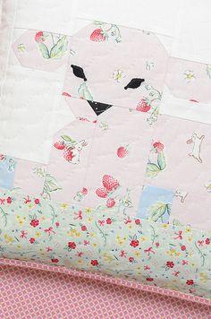 New Pattern: Little Lambkin Quilted Pillow