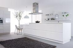 cuisine blanche laquée | La couleur est souvent la bienvenue dans la cuisine, mais pour créer ...