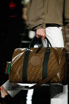 Fendi Men's Spring/Summer 2019 Collection designed by Creative Director Silvia Venturini Fendi. Travel Luggage, Luggage Bags, Travel Bags, Lv Bags, Fendi Bags, Vuitton Bag, Louis Vuitton, Across Body Bag, Briefcase