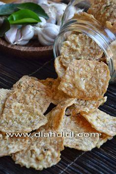Blog Diah Didi berisi resep masakan praktis yang mudah dipraktekkan di rumah. Snack Recipes, Cooking Recipes, Healthy Recipes, Diah Didi Kitchen, Cute Snacks, Banana Chips, Ramadan Recipes, Indonesian Food, Street Food