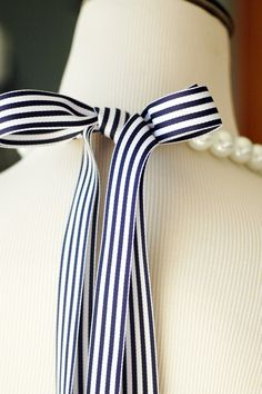 Striped Bow Pearl Necklace