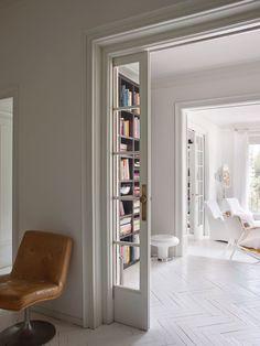 Interior Designer: Cristina Rodríguez, Barcelona :: This Is Glamorous Charles & Ray Eames, Mesa Tulip, Innovation, Barcelona Apartment, Modern Interior, Interior Design, Estilo Art Deco, Chinoiserie Wallpaper, Striped Wallpaper