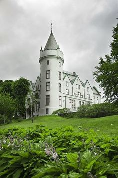 Christian Michelsen built Gamlehaugen near Bergen in 1900. The place has been national property with public park, museum and royal residence for Western Norway since Michelsen's death in 1925.