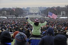 Here's the crowd at the Lincoln Memorial for a concert ahead of President Obama's inauguration in 2009. | People Noticed That Crowds Were A Lot Smaller For Trump's Inaugural Concert Than Obama's - BuzzFeed News