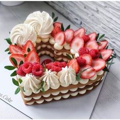 Has anyone fancy a bit of sweetness? 😜😍 # have a nice # sweet # day - Creative Cake Decorating Ideen Valentines Day Cakes, Valentine Desserts, Bolo Glamour, Bolos Naked Cake, Alphabet Cake, Cake Lettering, Cake Recipes, Dessert Recipes, Dessert Ideas