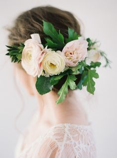 Best Ideas For Wedding Hairstyles : Picture DescriptionFeatured Photographer: Heather Hawkins Photography; Chic flower hairpiece updo wedding hairstyle with green leaves; Romantic Updo, Romantic Flowers, Unusual Flowers, Vintage Wedding Hair, Wedding Hair And Makeup, Vintage Weddings, Best Wedding Hairstyles, Hairstyle Wedding, Hairstyles 2016
