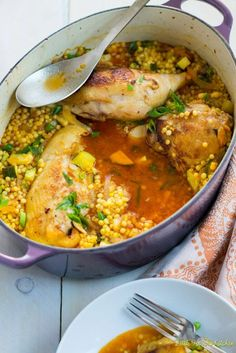 One Pot Garlic Chicken with Saffron and Israeli Couscous One Pot Garlic Chicken with Saffron and Israeli Couscous One Pot Garlic Chicken with Saffron and Israeli Couscous<br> Recipe inspired from Anne Burrell Israeli Food, Israeli Recipes, Gula, Cooking Recipes, Healthy Recipes, Healthy Snacks, Jewish Recipes, Middle Eastern Recipes, One Pot Meals