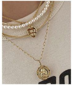 Nail Jewelry, Gold Jewelry, Beaded Jewelry, Jewelry Accessories, Vintage Jewelry, Vintage Necklaces, Pearl Necklaces, Pretty Necklaces, Vintage Accessories