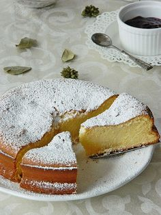 Kondensmilch Kuchen, which is German for Condensed Milk Cake. Very few ingredients and looks delicious. Bon Dessert, Eat Dessert First, Sweet Recipes, Cake Recipes, Dessert Recipes, Yummy Treats, Sweet Treats, Yummy Food, Think Food