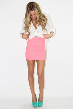I usually don't like wearing super bright colors..but I think this outfit is very cute!!