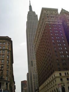 Empire State Building via E Laina Cozzino New York Life, Nyc Skyline, I School, Looking Up, New Jersey, Empire State Building, Concerts, Places Ive Been, Skyscraper
