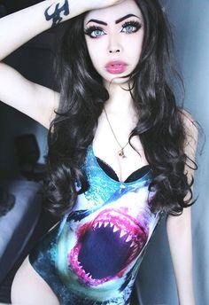 Wylona Hayashi... ♪