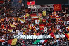 #Coreografia dei tifosi romanisti in @OfficialASRoma-@Inter durante il campionato di calcio @SerieA_TIM 2009-2010