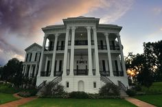 Louisiana plantation home. We saw this one our tour. We had a great time and learned so much about the history of the homes. We learned why there are 2 sets of stairs and what the small arch cut out was used for.