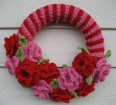 crochet valentine wreath