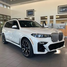 I like this better in person than in pictures. The all new 2019 BMW X7 MSport 50i amazing. Going to kill the 6-7 passenger SAV game. #bmwx7…