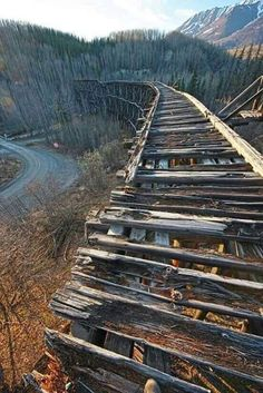 Track Layout Ideas for Your Model Train Abandoned Train, Abandoned Buildings, Abandoned Places, Train Pictures, Cool Pictures, Places Around The World, Around The Worlds, Old Trains, Train Tracks