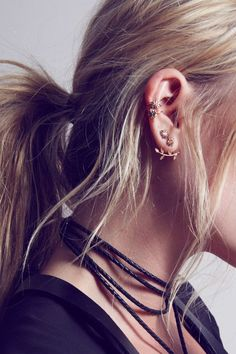 Ear full of earrings | Jewellery | The Lifestyle Edit bijoux fantaisie tendance et idées cadeau femme à prix mini