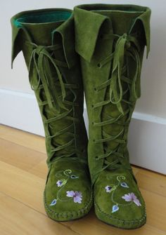 Fairytale boots, many colors, made to order.