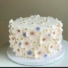 Elegant Birthday Cakes, Birthday Cakes For Teens, Pretty Birthday Cakes, Pretty Cakes, Beautiful Cakes, Amazing Cakes, Baby Cakes, Baby Shower Cakes, Cake Decorating Designs