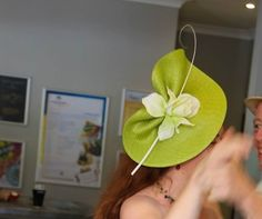 Best Hat - How To Make Hats Millinery Classes Millinery Hats, Fascinator Hats, Purple Fascinator, Hair Fascinators, Sinamay Hats, Derby Day, Church Hats, Diy Hat, Fancy Hats