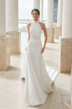Lightweight wedding dress in beaded lace and crepe. Halter neckline and low back. With guipure lace detail at the neck and waist. Lace Wedding Dress, Top Wedding Dresses, Luxury Wedding Dress, Classic Wedding Dress, Wedding Dress Trends, Bridal Dresses, Halter Neck Wedding Dresses, Bridal Collection, Collection Couture