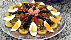La salade mechouia, plat national tunisien, si bien qu'aucun touriste ou invité n'y échappe. On le retrouve sur tous les buffets, aux m...