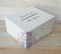 Drewniane pudełko na koperty ślubne - PASTELOVE - SwiezoMalowane - Dary pieniężne Decoupage, Decorative Boxes, Shabby Chic, Diy Projects, Wedding Ideas, Weddings, Gifts, Etsy, Decorated Boxes