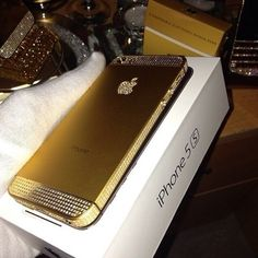 iPhone 5S Gold Got one of these for Christmas to replace my old iPhone 4 and absolutely love it the thing can read fingerprints and listen to your voice and Siri is pretty awesome it was a great gift and I cannot wait for the iPhone 6