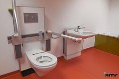 Salle de bain PMR Mobilier à hauteur variable pour handicapé