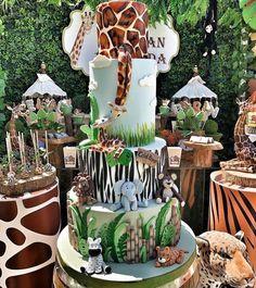 Shared by Carla Bonita Safari Birthday Cakes, Jungle Theme Birthday, Baby Boy 1st Birthday, Jungle Party, Baby Party, Jungle Cake, Safari Baby Shower Cake, Boy Baby Shower Themes, Baby Shower Fun